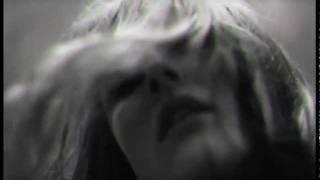 09 vanessa daou - black & white (mark reeder's monochrome mix)