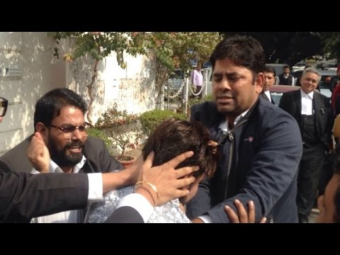 Lawyers Attack JNU Student President Kanhaiya Kumar
