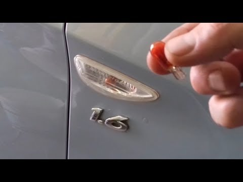Замена лампочки боковых поворотников на Хендай Солярис (Hyundai Solaris)