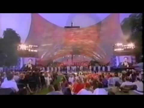 "2002 Memorial Day Washington DC tenor Daniel Rodriguez ""God Bless America"""