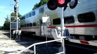 Американский поезд. Электричка / Caltrain Railcrossing