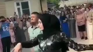 Чеченские деньги на свадьбе разбрасываются Чеченцами