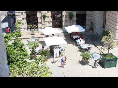 Cruizen Cuba 11: A Cuban Court yard Cafe