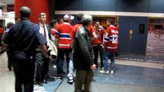 Fight at Verizon Center between a Montreal and a angry Caps fan after game 7 (28/04)