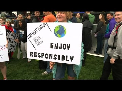 Crowd gathers in DC for March for Science