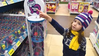 5 year Old Ulyana Doing Grocery Shopping | Supermarket Song