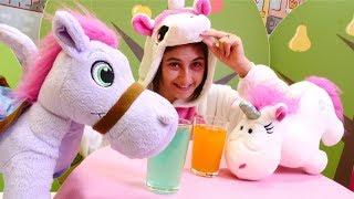 Ayşe ile çocuk videosu. Unicorn kafeye hoş geldiniz. Bugün Ayşe ilk...