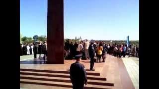Чернигов.  У вечного огня,  9 Мая 2014 года.(Ролик был подготовлен для сайта: http://kotval.cn.ua., 2014-05-09T13:38:14.000Z)