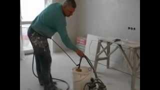 Работа электрокраскопульта.(Механизация отделочных работ в строительстве.Качество недоступное кистям и валикам.Доверяйте выполнение..., 2013-01-13T10:32:38.000Z)