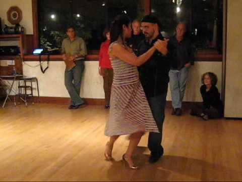 Tango Lesson: The Organic Gancho