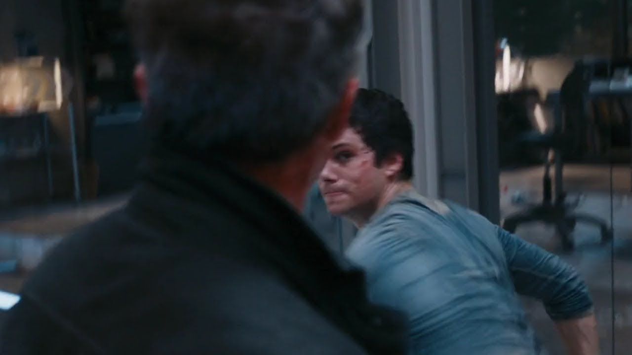 Download Teresa saves Thomas and he fights Janson [The Death Cure]