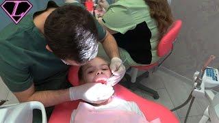 Лиза у Стоматолога в Елгаве 💉 УКОЛ 💉 НЕ БОЛЬНО ДЕЛАТЬ УКОЛ Super Liza Не Плачет Подарок Суши