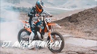 Download lagu DJ ANGKAT TANGAN DIATAS FREESTYLE MOTOCROSS 2019 MP3