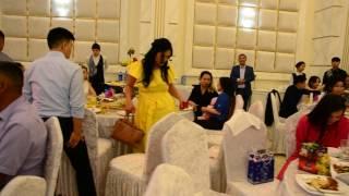 танцевальный батл команды невесты и жениха