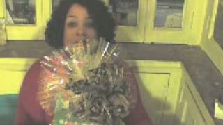 How to Make a Gift Basket Fan Topper