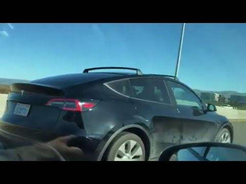 tesla-model-y-can-have-a-roof-rack,-but-what-about-a-tow-hitch?