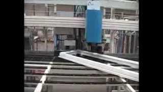Produzione, costruzione di serramenti, finestre,infissi in pvc Torino | TORINOFINESTRE.IT(Visita il nostro sito http://www.torinofinestre.it Fasi di costruzione del serramento in pvc, dal taglio del profilo, l'irrigidimento, la saldatura e la posa del vetro ..., 2012-03-21T09:00:15.000Z)