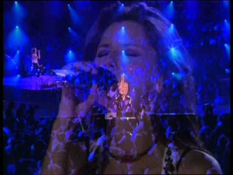 Shania Twain - Live in Chicago HD - It Only Hurts When I'm Breathing (15)