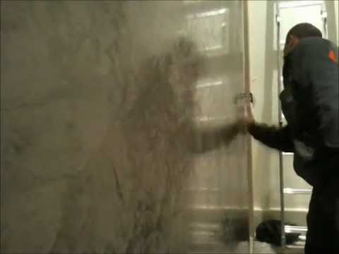 Application cire sur tadelakt by samroots59 youtube for Cire enduit mural