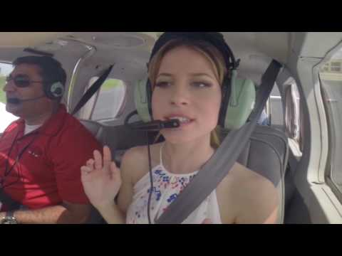 How to Fly A Plane! Take Off & Landing - Travel Tip, New Orleans
