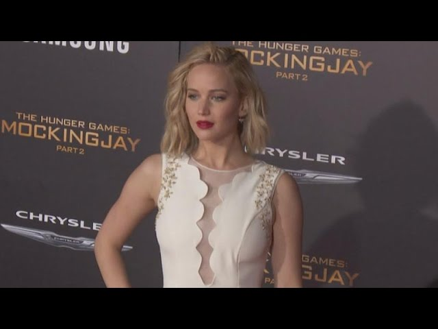Jennifer Lawrence and 'Hunger Games' Co-Stars Honor Paris Victims at Premiere