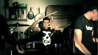 Lucyfernandez - MI REVOLVER (video oficial)
