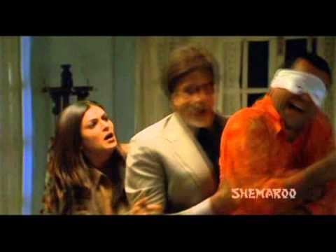 Aankhen Best Scenes - Vijay Tickles Ilias To Death - Amitabh Bachchan - Paresh Rawal