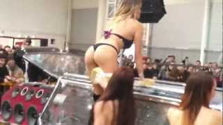 Repeat youtube video Tuning Show Roma 2013  Sexy Car Wash