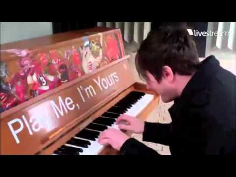 Adam Young (Owl City) on LIVESTREAM - Piano at Tilburg Street - 16/09/2011 - V-HD)
