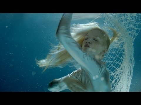 iamamiwhoami; hunting for pearls