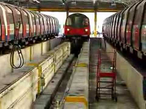 Northern Line 95 stock stabled for maintenance