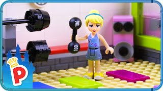 ♥ LEGO Cinderella Visits FITNESS CENTER for a Cardio Workout