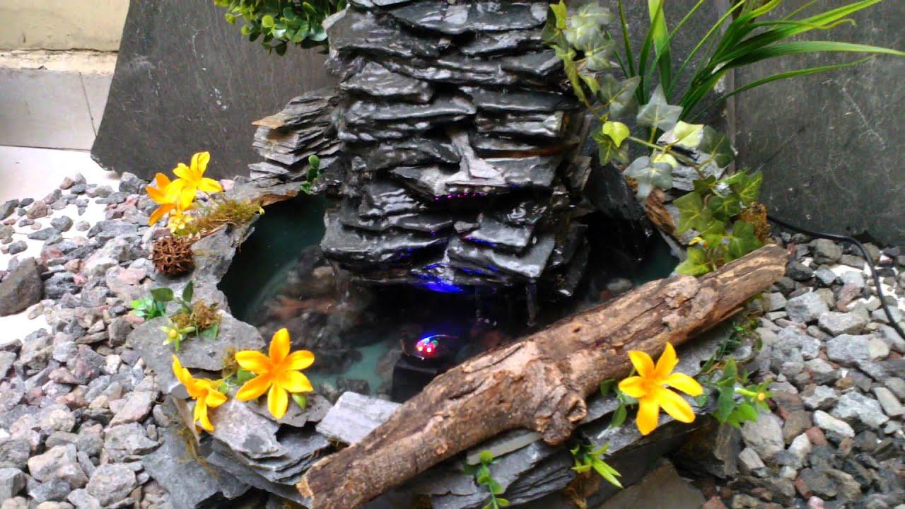 Fuente de agua cascada en piedra laja para exterior for Peces para fuente exterior