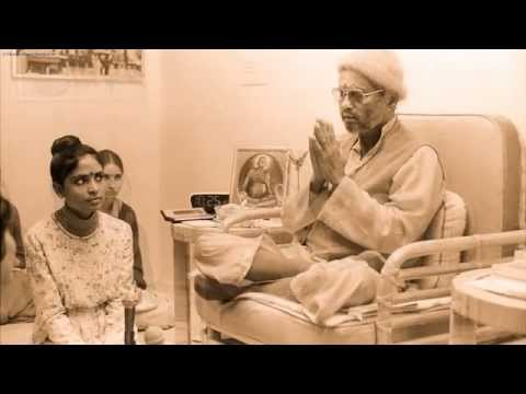 Swami Muktananda (A tribute to a Master) by John-Roger and Jsu Garcia