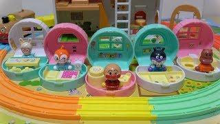 アンパンマン タウン おでかけハウス&ドールセット Anpanman Doll Set