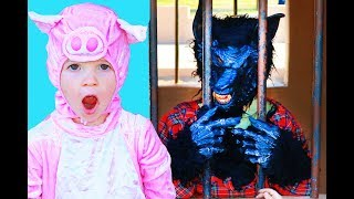 3 Little Pigs WOLF IN TROUBLE! This Little Piggy Surprise with Turkey Bacon & PJ Masks