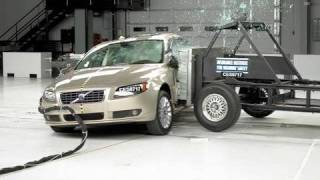 2007 Volvo S80 side IIHS crash test