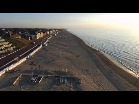 De Haan - Drohnenflug über Strand Und Promenade