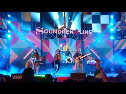 Efek Rumah Kaca - Di Udara (Live) at Soundrenaline 2016