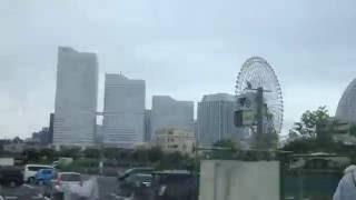横浜観光スポット周遊バス 中華街・元町(C)ルート。 最前列の座席から撮...