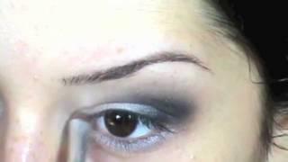 Lecţia nr 12: Machiajul ochilor mici Thumbnail