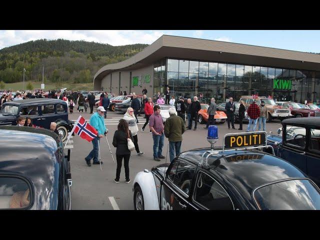 2020-05-17 - MHK Drammens motorhistoriske kortesje starter fra KIWI Lerberg 17. mai 2020
