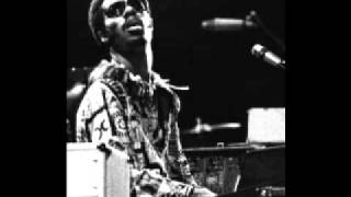 Stevie Wonder Live at Maple Leaf Gardens In Toronto 1975 - 02 Contusion