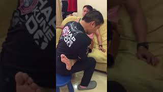 Master Chris Leong treatment on leg thumbnail