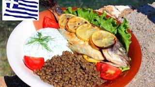 Рыба запеченая с лимоном и соус из йогурта / Baked fish with lemon and yogurt sauce