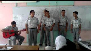 when high school students, try to sing japanese song.. :)
