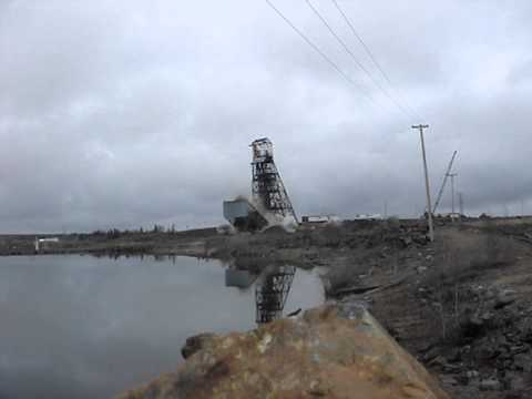 farley-headframe-demolition-project-|-rakowski-cartage-wrecking