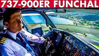 Piloting BOEING 737 900ER from Funchal