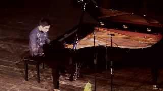 Scarlatti - Sonata in E,  K.380 & K.20, L.375 (with a butterfly) - Enzo