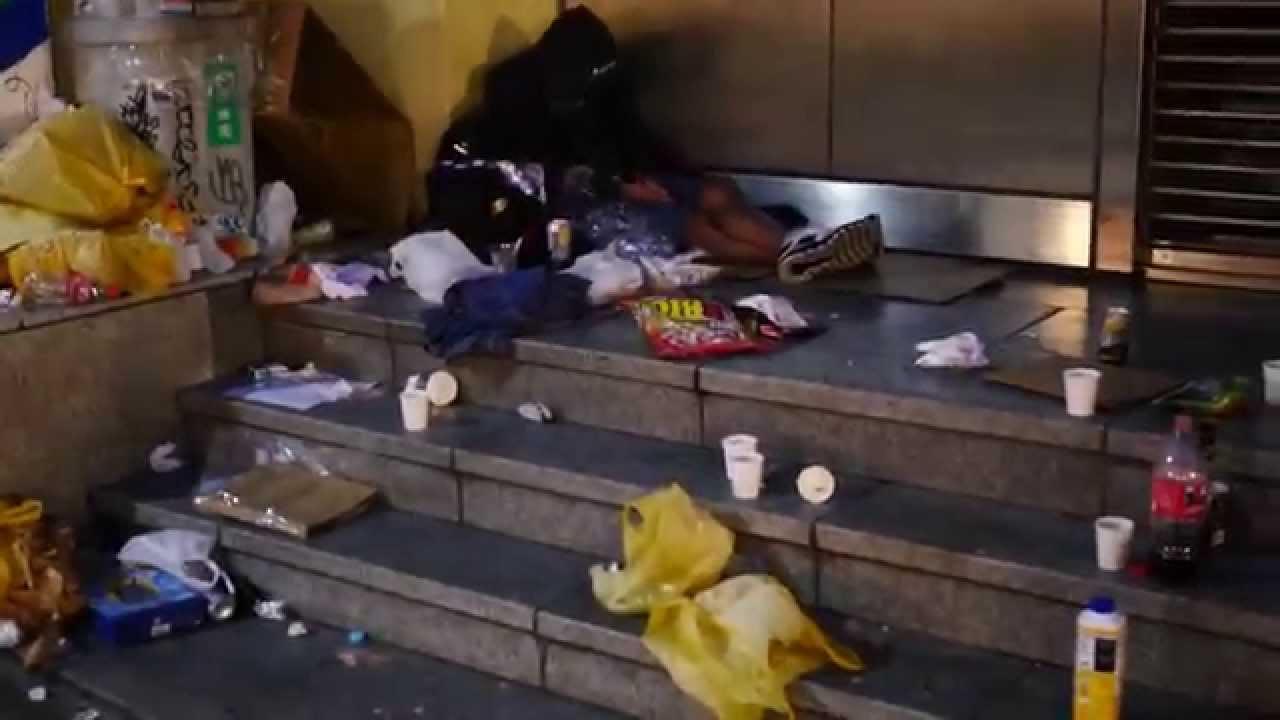 「ハロウィン 渋谷 ゴミ」の画像検索結果
